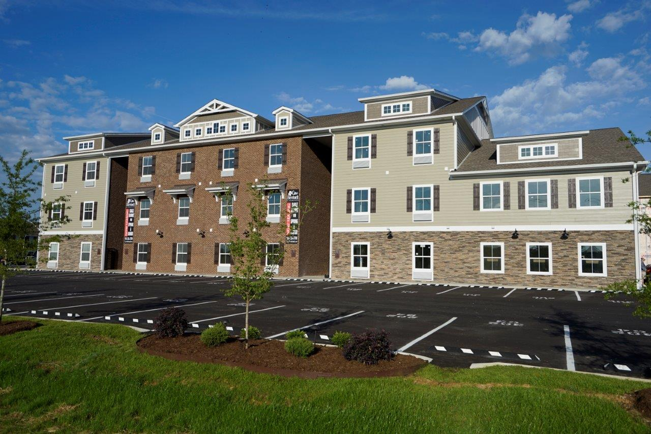 Eagle Summit Apartments Bernhardt Rentals